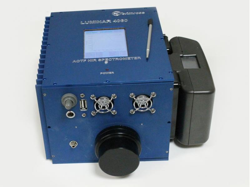 Poza Luminar 4060  Miniature Laboratory AOTF-NIR Analyzer 1